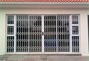 CapeSecure-Retractable-X-Door TRELLIS DOORS